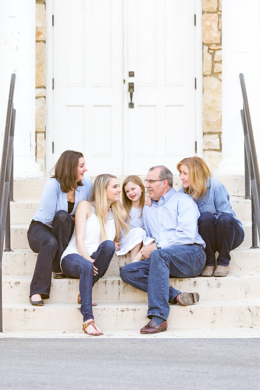 Milligan College spring photos, East Tennessee photography, Elizabethton TN photographer, Johnson City TN photography, family photography, child photography, mother daughter, Milligan College campus