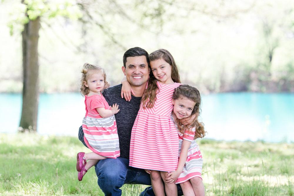 Griego Family 4-21-17_0065.jpg