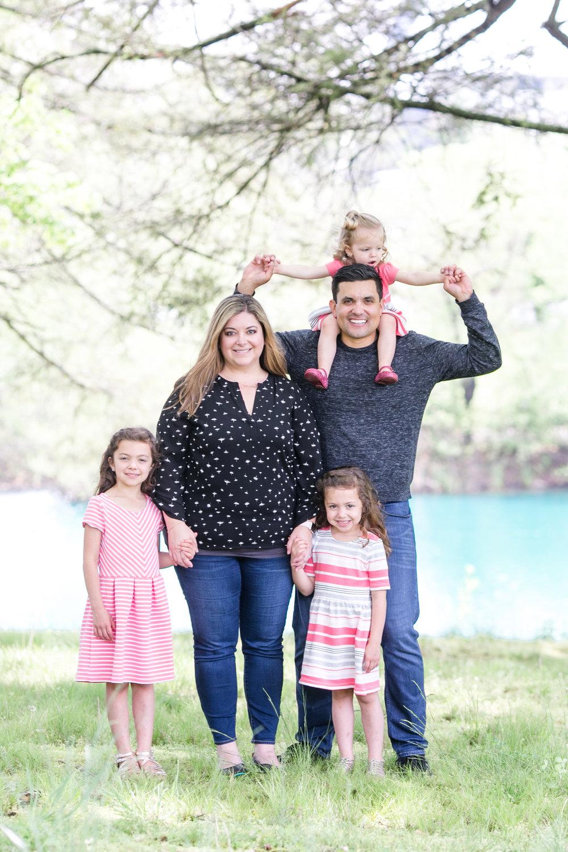 Griego Family 4-21-17_0177.jpg