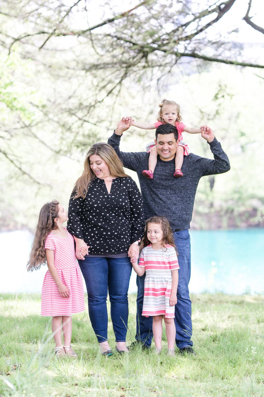 Griego Family 4-21-17_0178.jpg