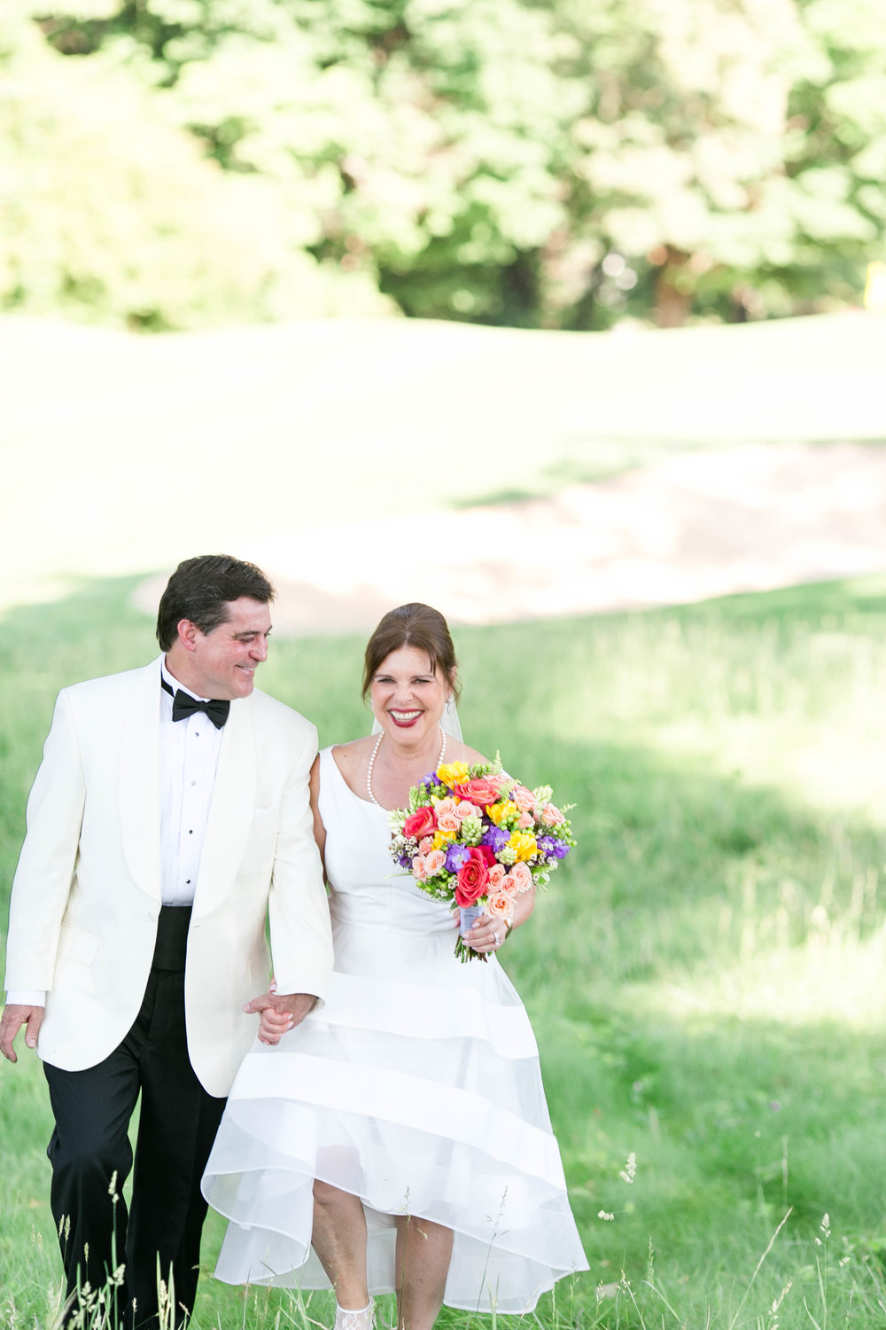 Johnson City Country Club wedding, East Tennessee wedding venue, Tri Cities TN wedding photographer, bride and groom portraits