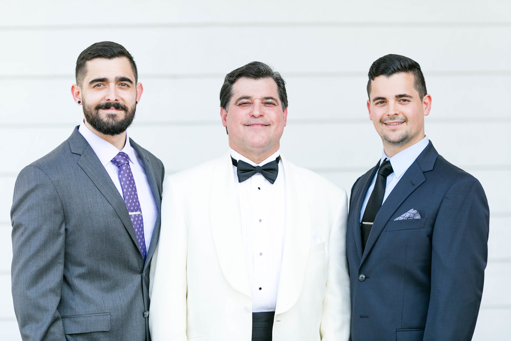 Johnson City Country Club wedding, East Tennessee wedding venue, Tri Cities TN wedding photographer, groomsmen portraits
