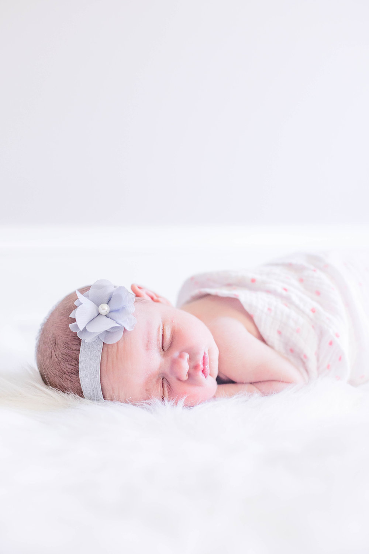 Emma Newborn_0069.jpg