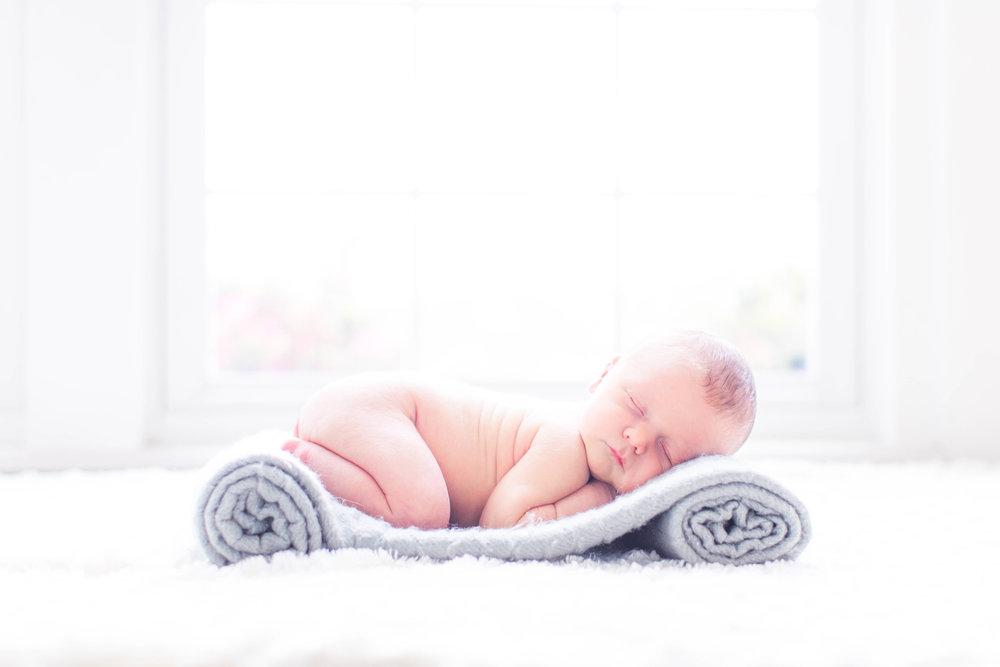Cooper Newborn 5-8-18_0097.jpg