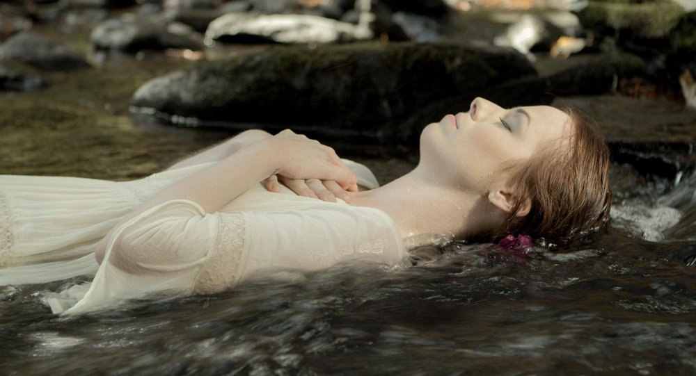 Emily Jackson as Max during Max's Ophelia dream sequence