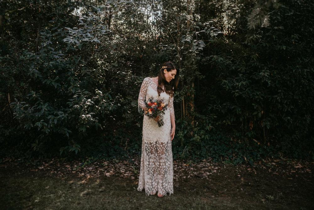 novia vestida de larcabarcelona, fénix visual, videografo de bodas,
