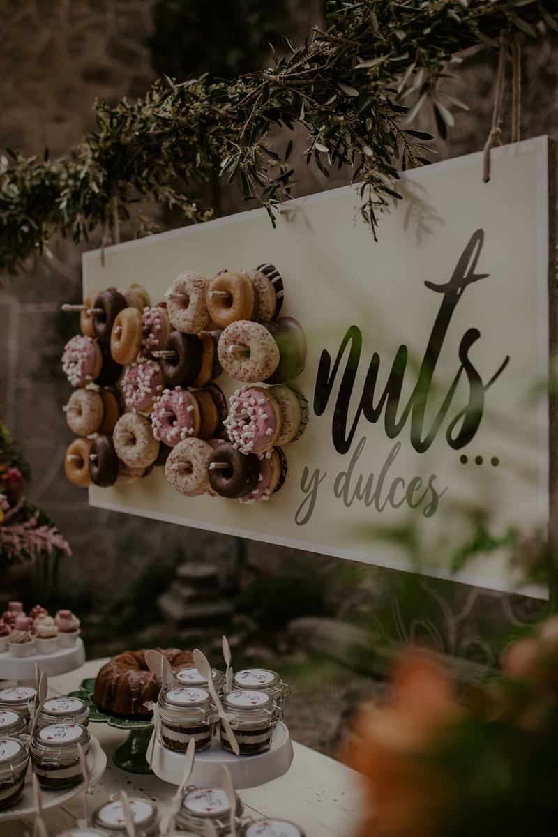 mesa de donuts en bodas, bodas en extremadura, fénix visual,
