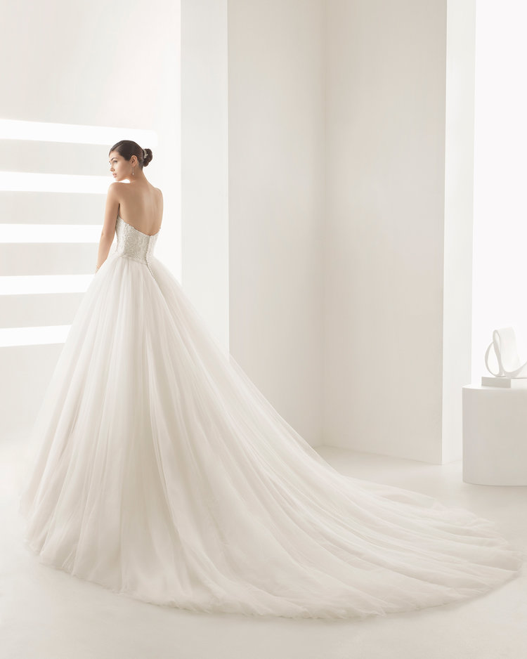 Olson by Rosa Clara   Size 8/White  $2,312 now $1,849.60