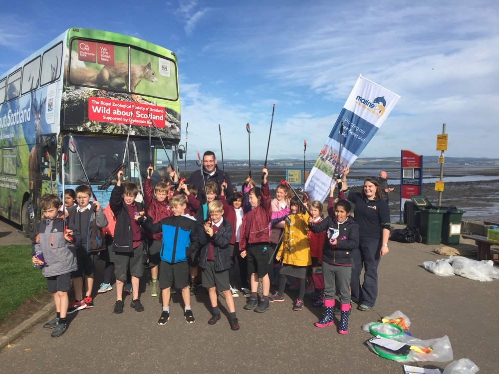 Miles with pupils from Cramond Primary School preparing to clean up Cramond Beach