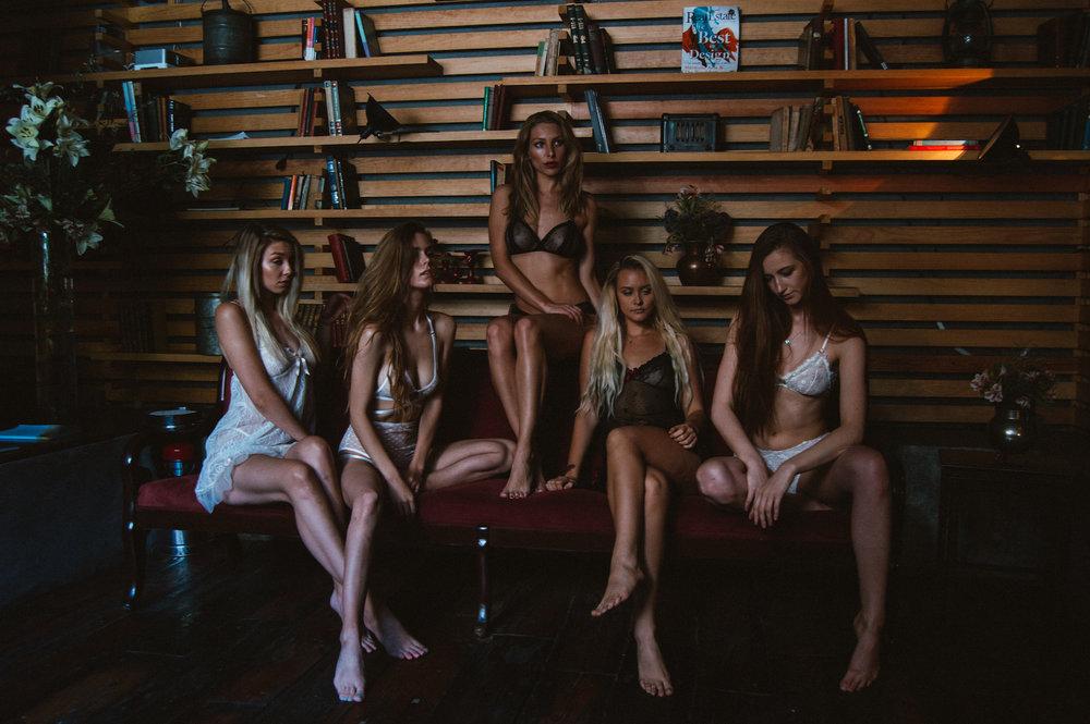 Models (L-R) @AlaskanNikki @AmberleighWest @VictoriaHertel @Layulyana @Lasmadzene