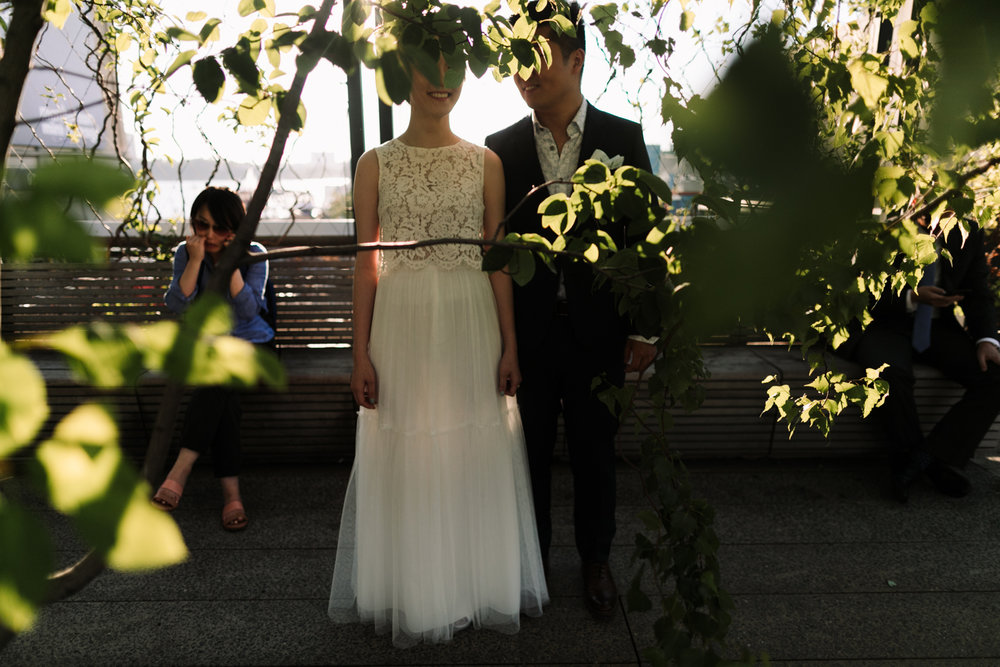 nyc-wedding-photographer-highline-engagement-session-08.jpg