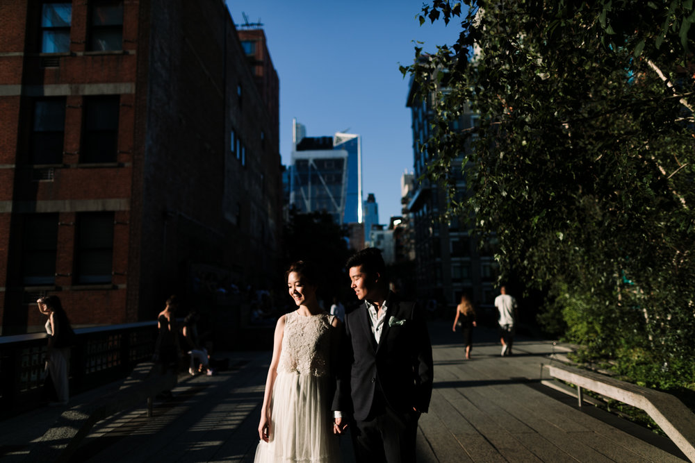 nyc-wedding-photographer-highline-engagement-session-25.jpg