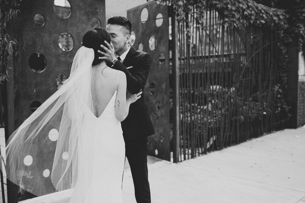 Brooklyn-winery-wedding-photographer-08.jpg