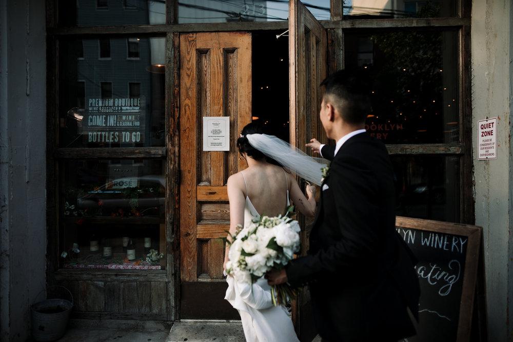 Brooklyn-winery-wedding-photographer-33.jpg