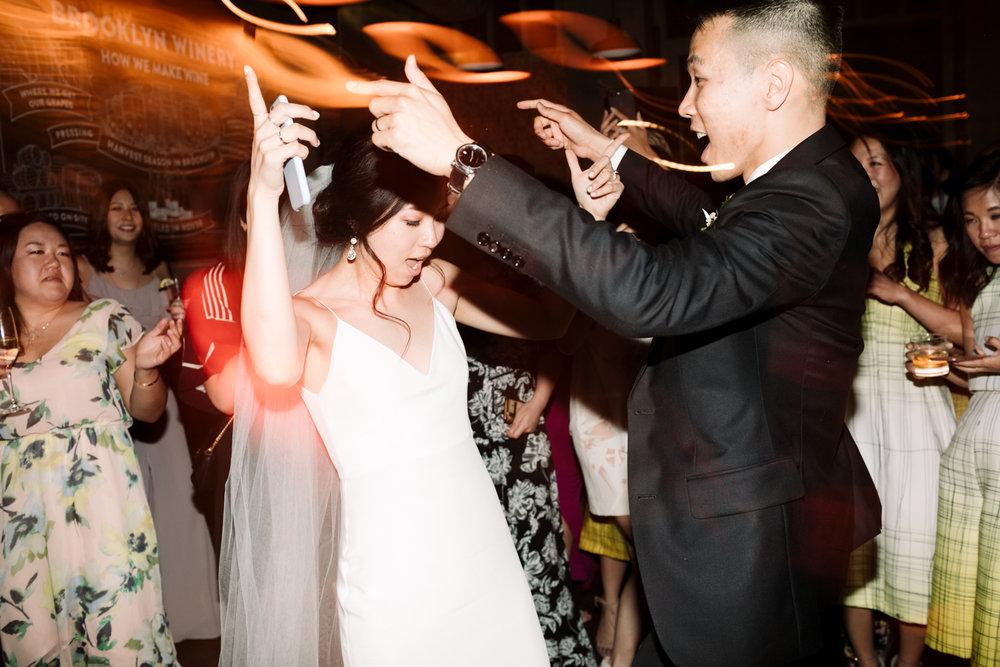 Brooklyn-winery-wedding-photographer-139.jpg