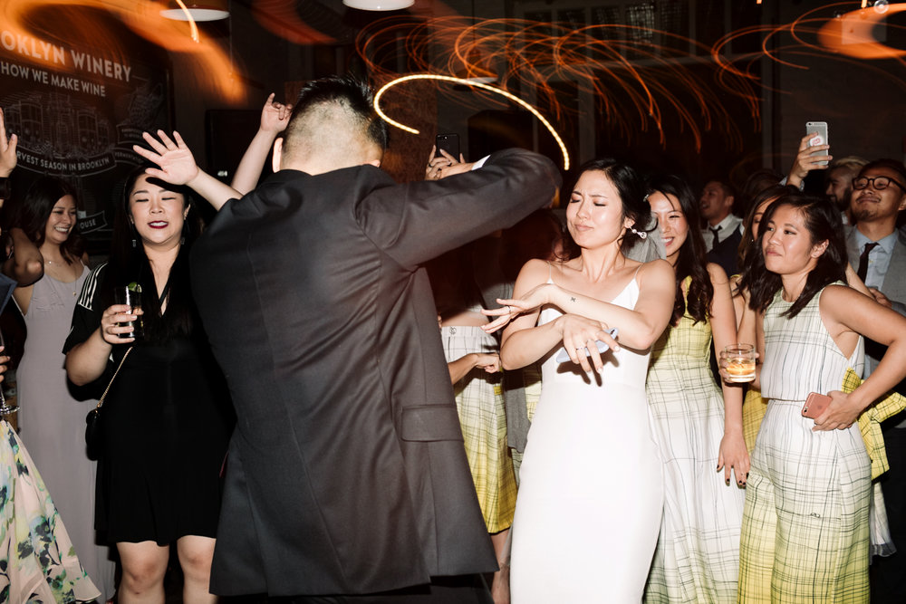Brooklyn-winery-wedding-photographer-140.jpg