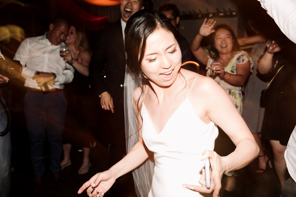 Brooklyn-winery-wedding-photographer-143.jpg