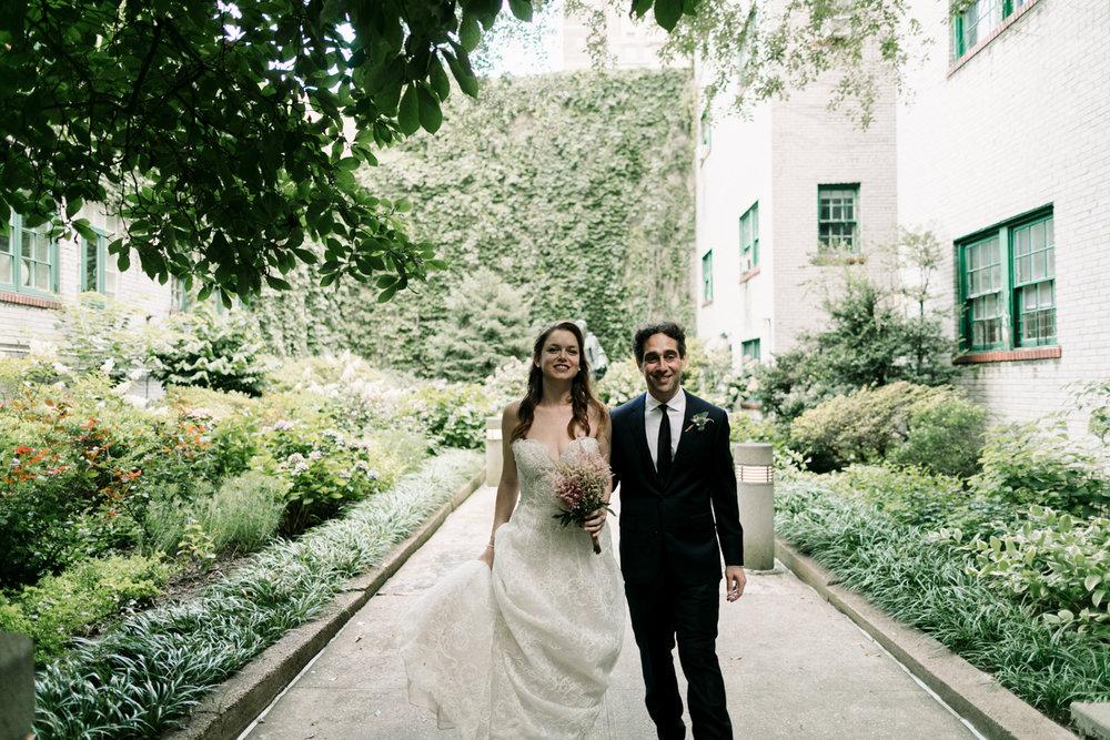 NYC-Wedding-Photographer-Washington-sq-park-34.jpg
