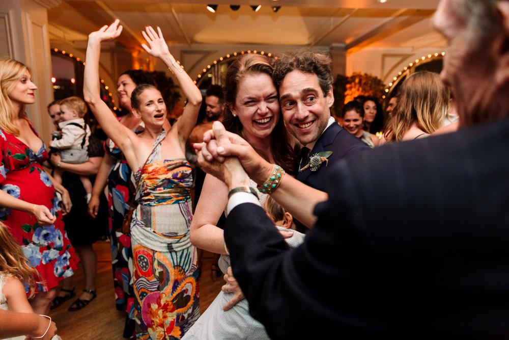 NYC-Wedding-Photographer-Washington-sq-park-114.jpg