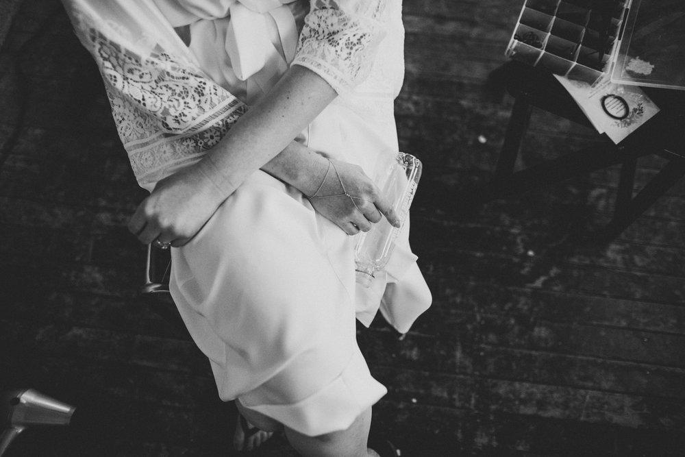 dreamy-moody-wedding-greenpoint-loft-04.jpg