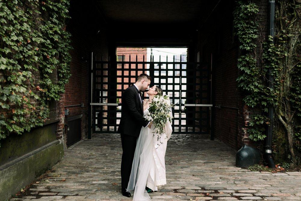 The-Foundry-HIpster-stylish-modern-wedding-40.jpg
