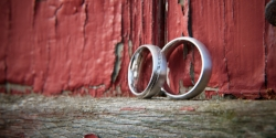 wedding rings barn.jpg