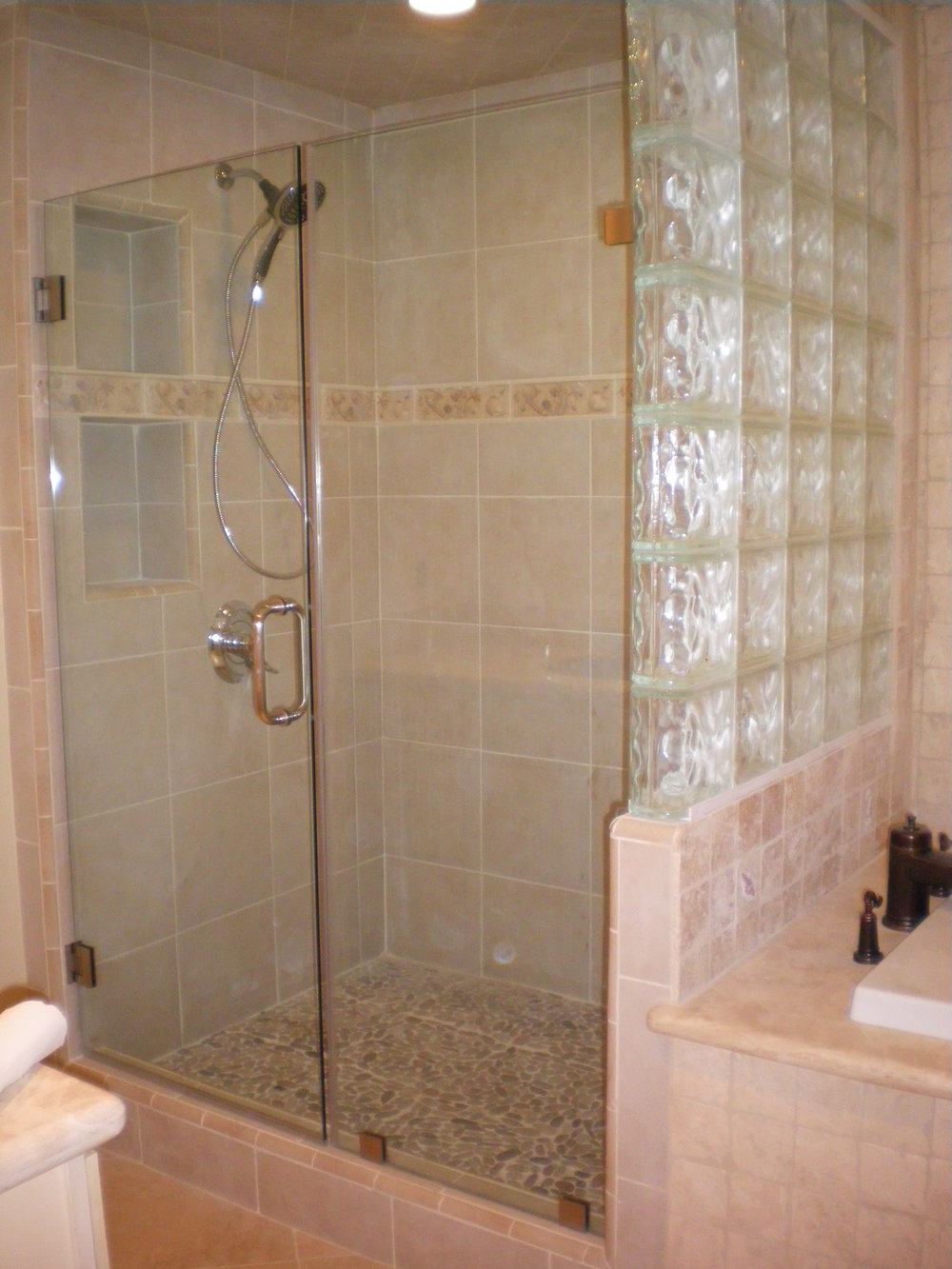 Shower-Doors-Residential-Photos-2.jpg