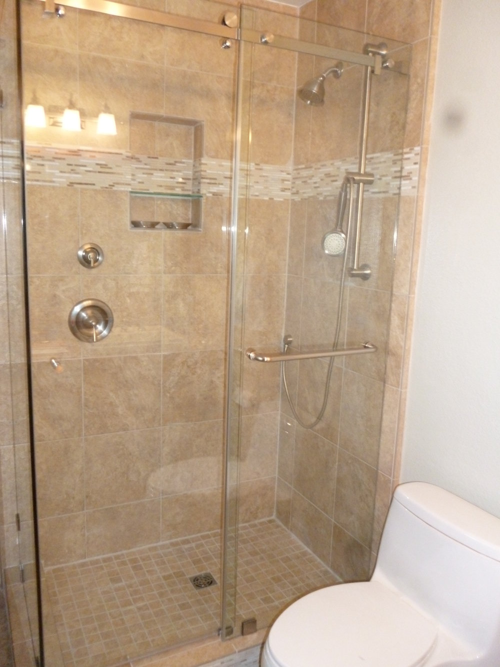 Shower-Doors-Residential-Photos-19.jpg