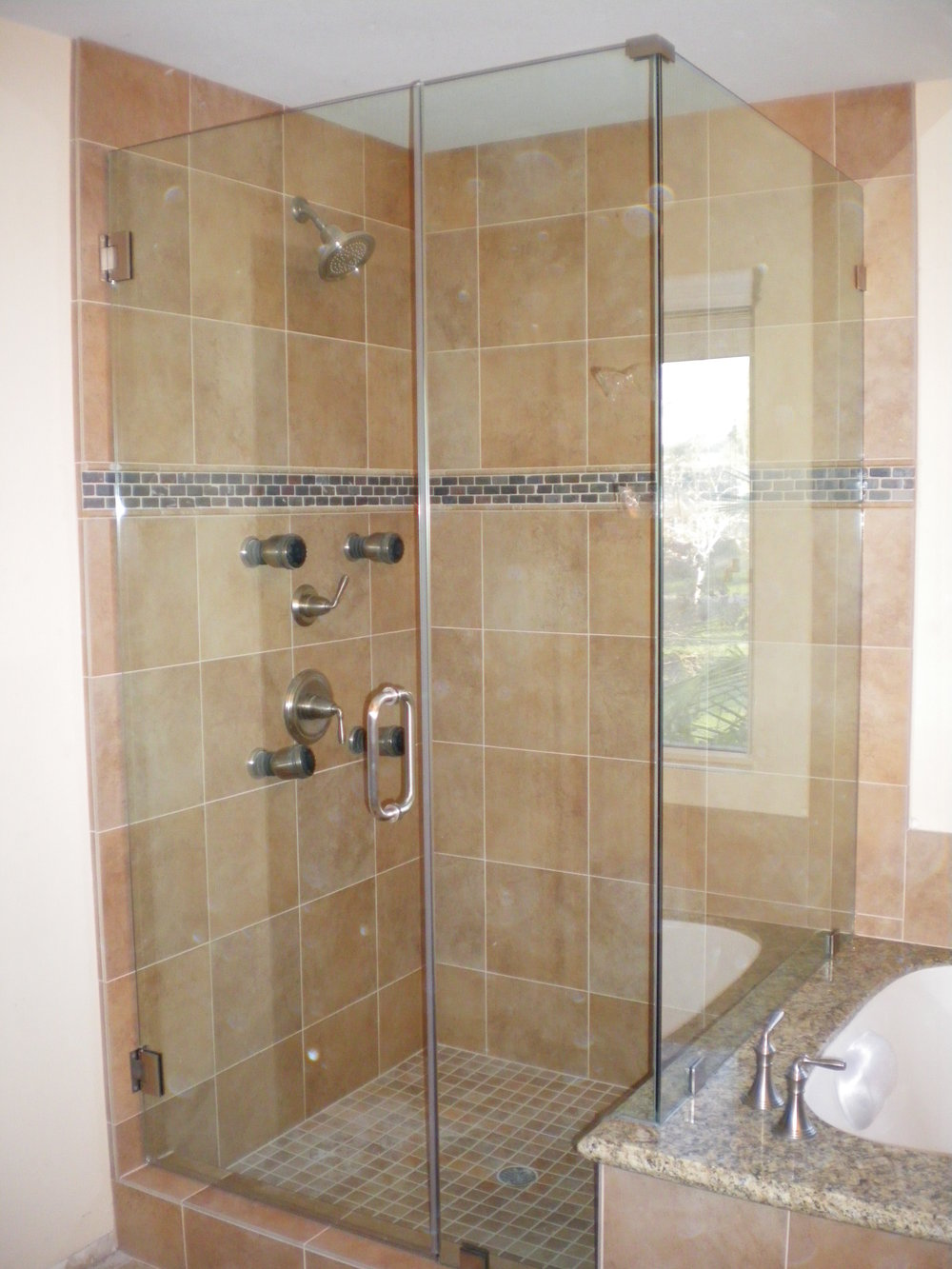 Shower-Doors-Residential-Photos-29.jpg