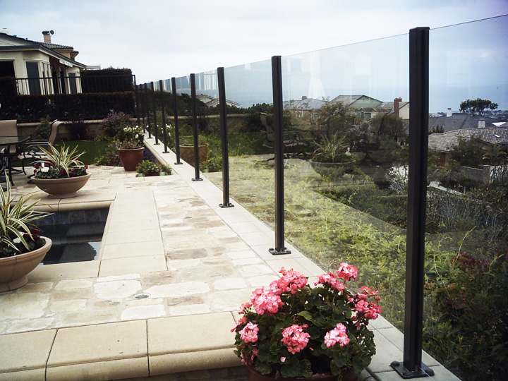 Glass-Railing-Residential-Photos-10.jpg
