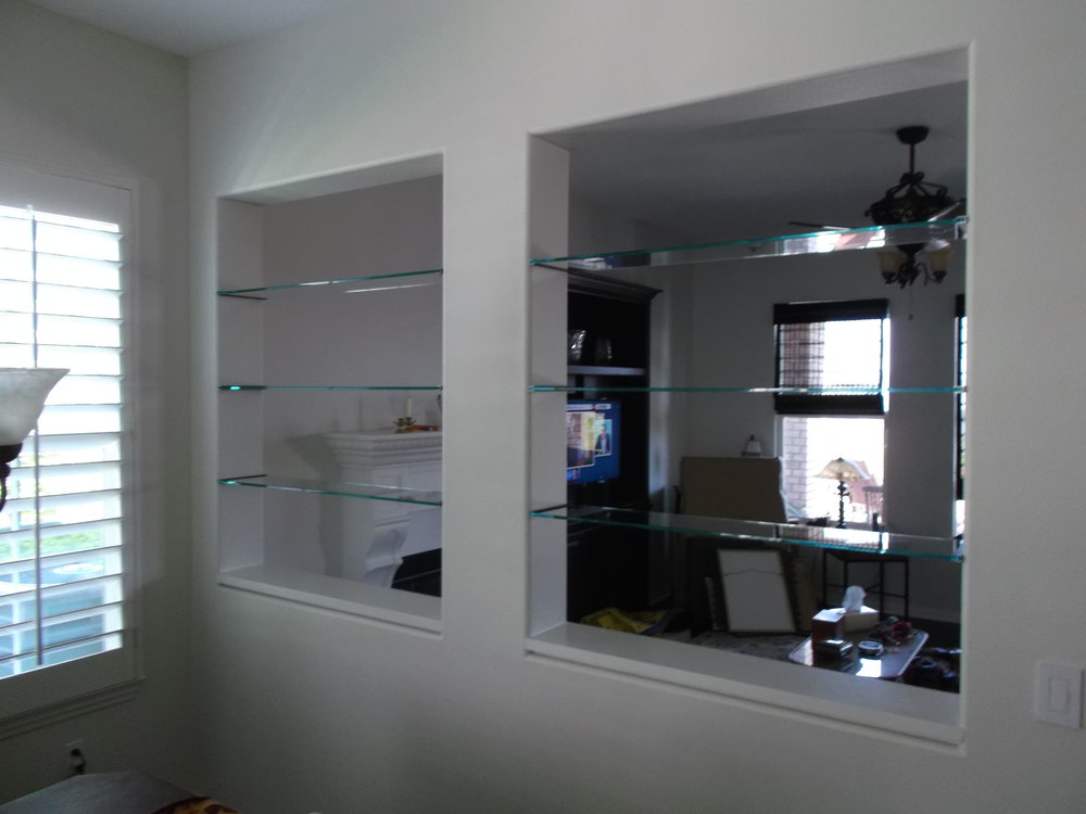 Glass-Shelves-Residential-Photos-6.jpg