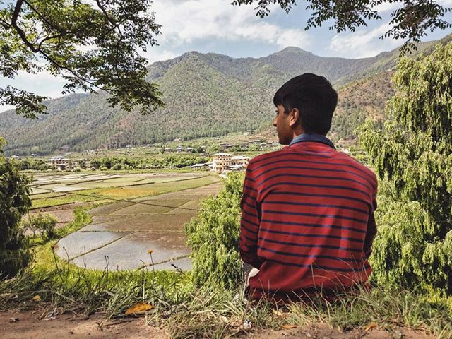 Pause ● Reflect ●Change  Journeys are important to look within. For us travelling means more than photographs or sight seeing 🍃 . . . #travel #journey #travelgram #adventure #loudminds #travelgoals #ootd #bhutan #igtravel #photography #love #wanderlust #instatravel #roadtrip #view #vacation #instagood #igtravel #traveling  #phobjinkha #travelphotography #photooftheday #pause #change #reflect #freedom #motivationmonday