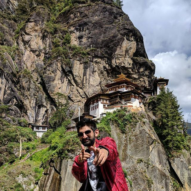 Can you ever get over the breathtaking view of the Tiger's Next Monastery? 😍😱 . . . #travel #journey #travelgram #adventure #loudminds #travelgoals #ootd #bhutan #igtravel #photography #love #wanderlust #instatravel #roadtrip #view #vacation #instagood #igtravel #traveling  #phobjinkha #travelphotography #photooftheday #pause #trek #freedom #tigernest #tuesday #travellers #madeit