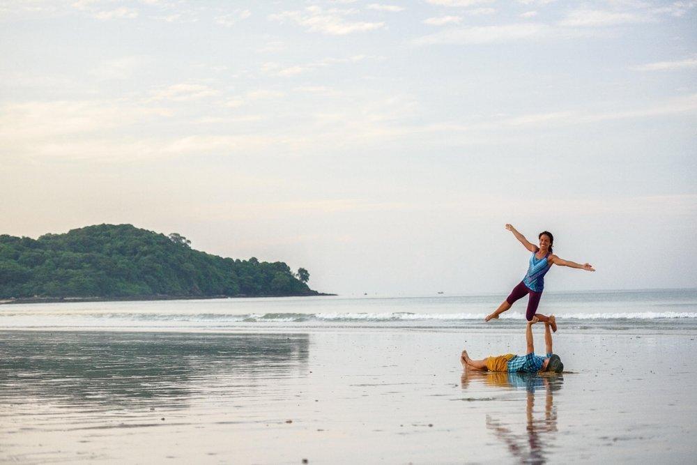 yogaslackers, acro, acroyoga, open space, workshop, balance, anchorage yoga