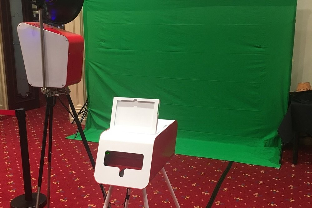 Retro Booth - Retro Booth is a stand alone camera, Instapod printer complete with wedding styled back drops. Great for large group photos and plenty of room to strike a pose. We can even change during your function to add  green-screen so your guests can try something a little different.