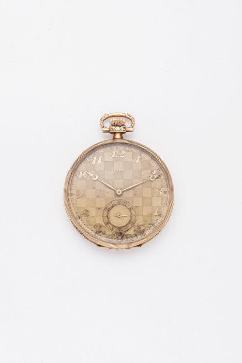 110c38eca Zlaté kapesní hodinky Doxa — Antique Kaprova