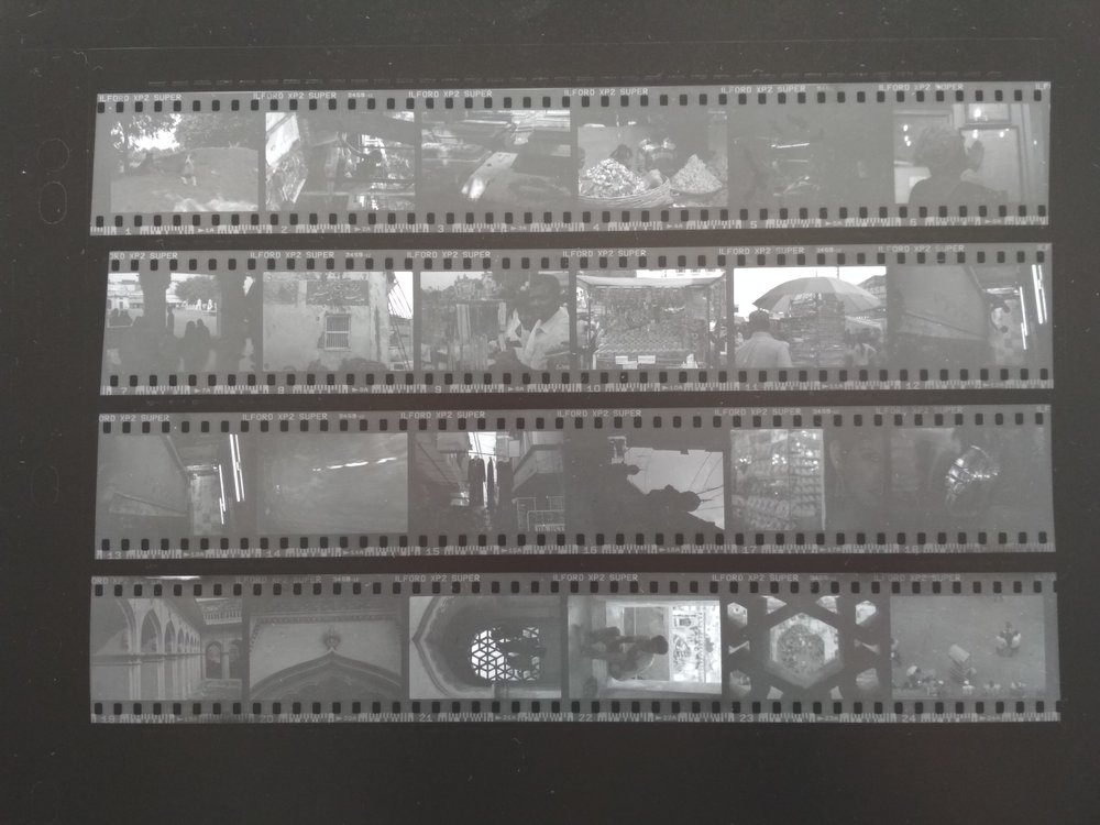 Ilford XP2 - contact sheet. Time: 20 seconds; magenta: 40.