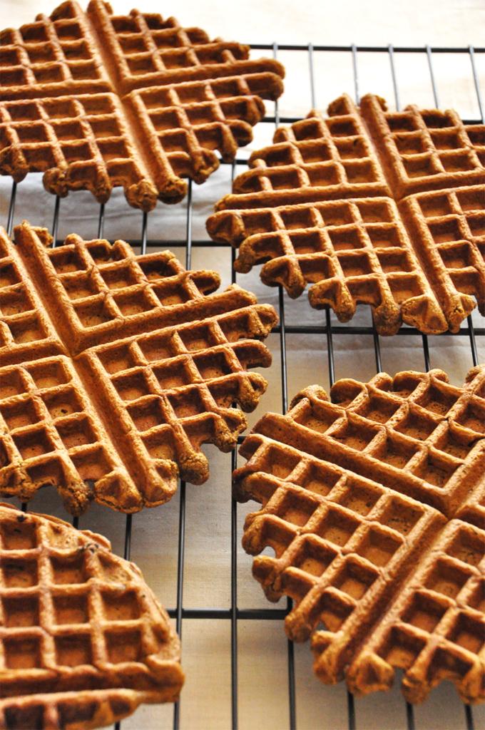 Vegan-Gingerbread-Waffles-Minimalist-Baker1.jpg