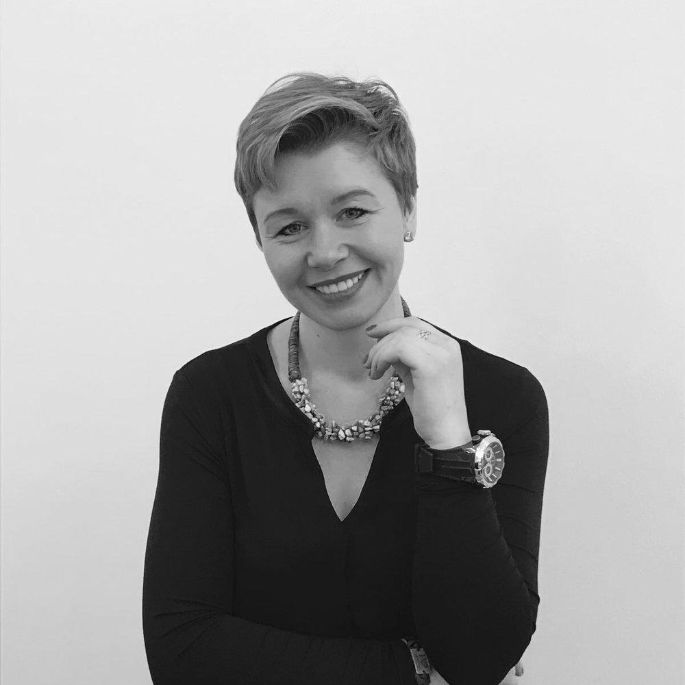 Zoya Sumper - Stylist