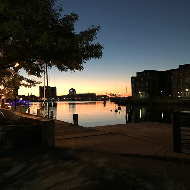 When your personal photographer gets up early for the perfect pic for your Instagram.🤩 Thanks @toddderemigis #nofilter #charmcity