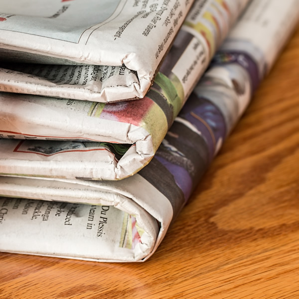 read-bunch-reading-newspaper-pile-print-544925-pxhere.com2.jpg