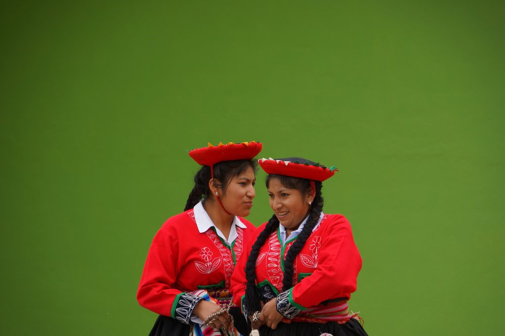 Andean women in red by EO.jpg