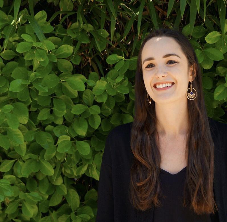Haley Wiebel, Gerente de Comunicaciones