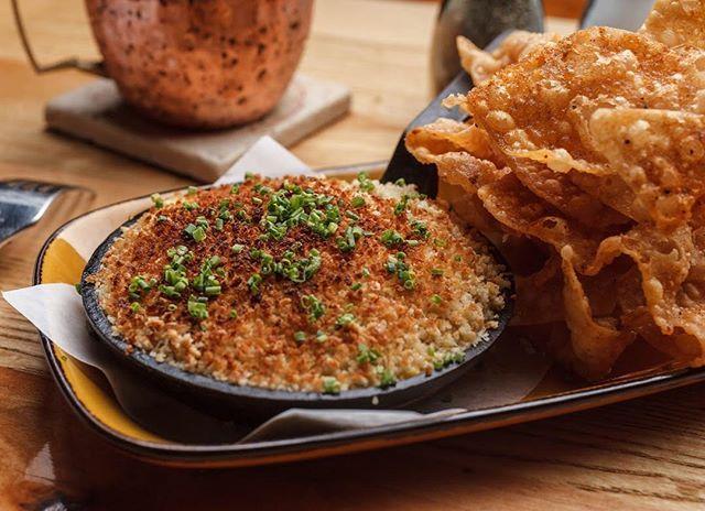 Crawfish Rangoon gratin is back! Get it while it's hot! . . . #northshoreeats #covlove #bacdup #datenight #lacrawfish #eatlocal #crawfish #rangoon #nolaeats #eaternola #covingtonla #tammanytaste #happyhour