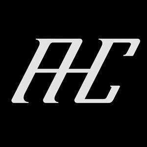 AHC  Una marca que trabaja con las emociones y las presenta de una formas única y elegante, permitiéndonos estar de la mano con el diseño y todas sus técnicas artesanales.  http://www.ahcdesigner.com/