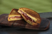 image of Beecher's Bacon, cheese, & tomato; courtesy Seattle Mariners