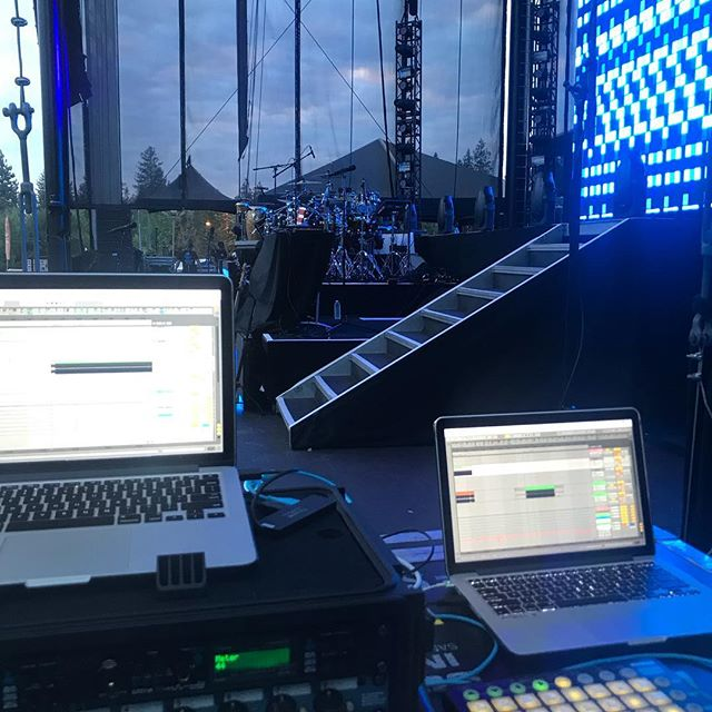 My office for the night.  Let's do this Lake Tahoe!  #Pitbull #playback #engineer