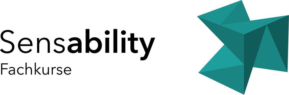 "Themen-Logo Fachkurse: Schrift ""Sensability Fachkurse"" mit Würfel in der Farbe Petrol"
