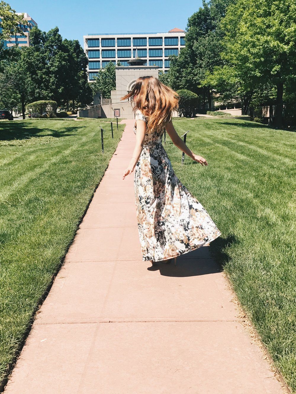 Your Freund Emily - Fashion, floral maxi romper