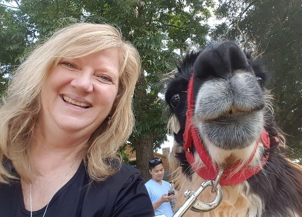 Tomi and a Llama. Say cheese!